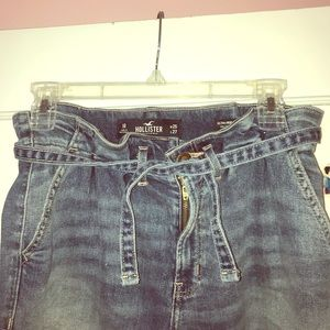 HOLLISTER PAPERBAG TRENDY JEANS SIZE 1R CUTE
